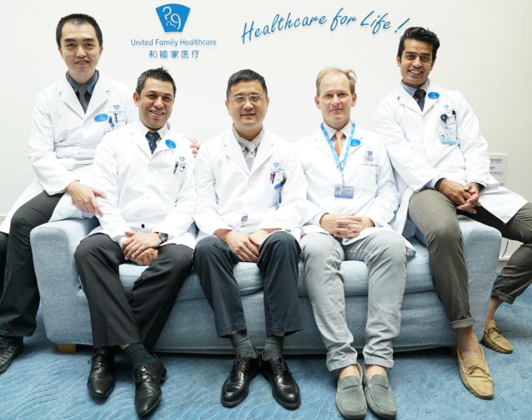 多元化的国际医疗团队